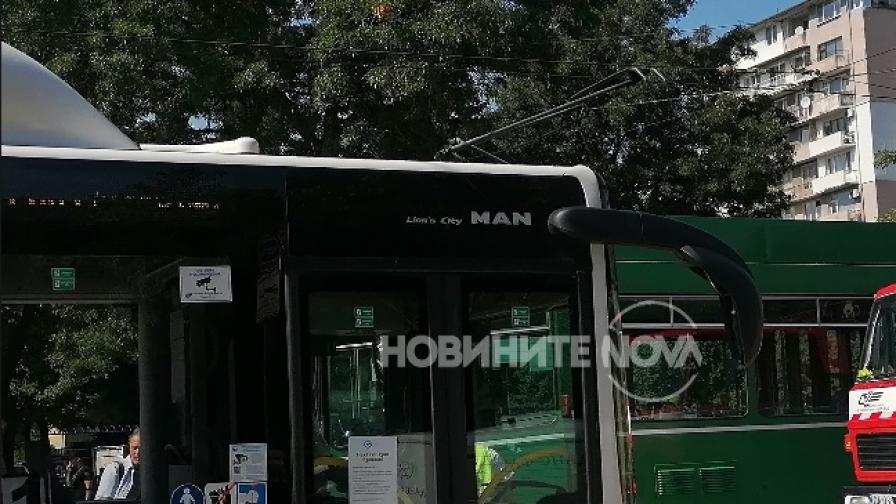 <p>Трамвай и автобус се удариха в София, пострадали</p>