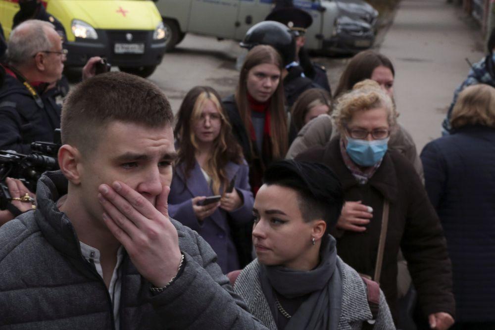 Шестима души загинаха при стрелба в руски университет