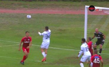 Димитър Костадинов с дебютния си гол даде аванс на Левски
