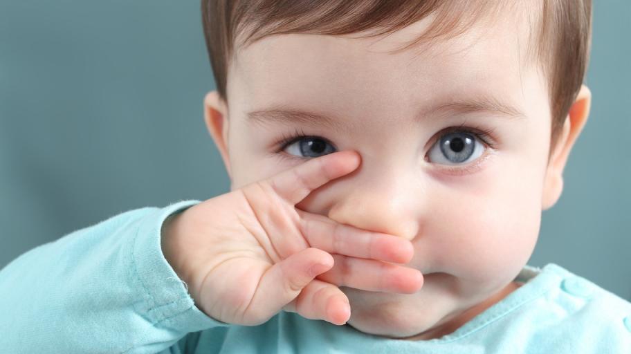 Какво да правим, когато нещо се заклещи в носа на малчугана?