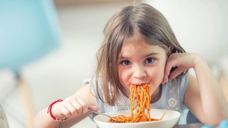 Грешките, които допускаме при храненето на детето