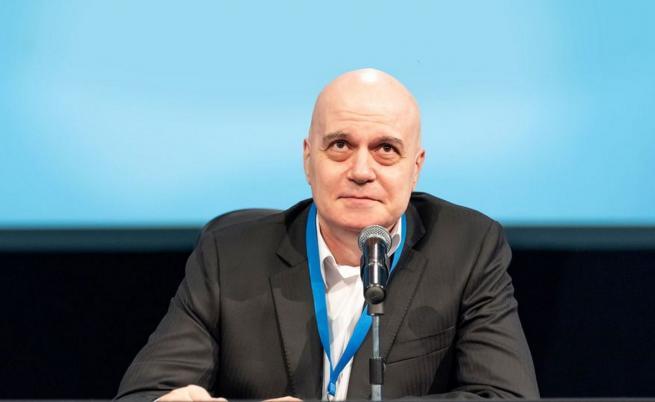 """""""Има такъв народ"""" обяви водачите на листите си за изборите, Слави Трифонов не е сред тях"""