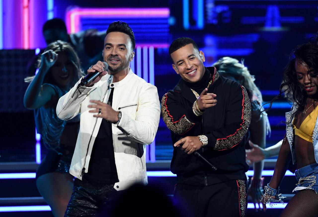 "<p><strong><span class=""nm-gallery-title font-700"">Luis Fonsi и Daddy Yankee - &quot;</span>Despacito&quot;</strong></p>  <p>&quot;Despacito&quot; беше тотален хит. Песента счупи редица рекорди, но прекърши способността ни да я слушаме, без да си помислим: &quot;О, пак ли?!&quot;.</p>  <p>&nbsp;</p>"