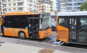 Два автобуса на градския транспорт катастрофираха в София