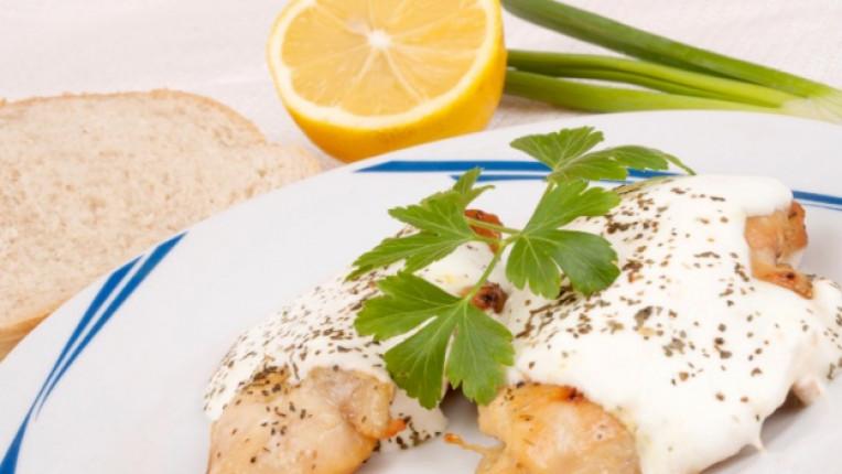 пилешки филенца готварска сметана соев сос мащерка грил горчица лимонов