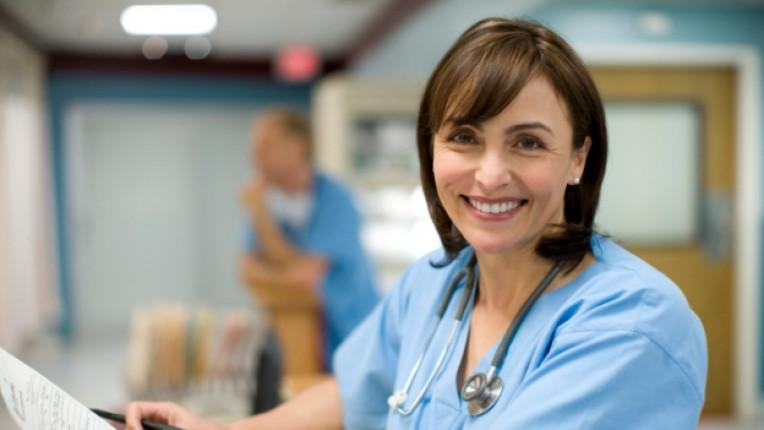 болница лекар пациент медицинска сестра грешна диагноза доверие унижение лечение