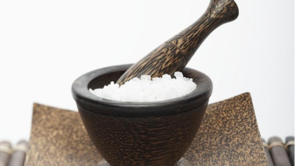 Морска сол за красива коса