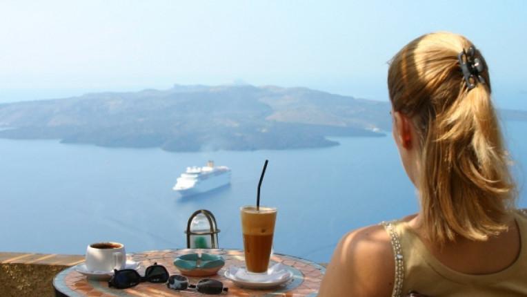 гръцко кафе закуска изглед море кораб почивка