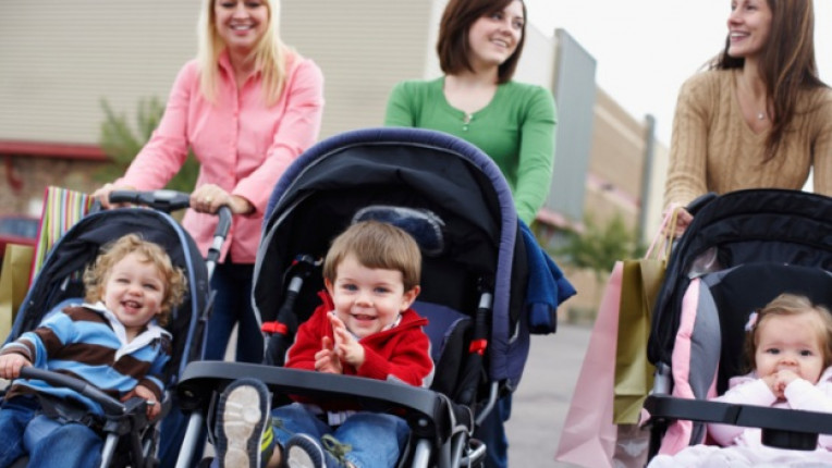 ревност майка завист възпитание материален статус слаба фигура общуване конкуренция