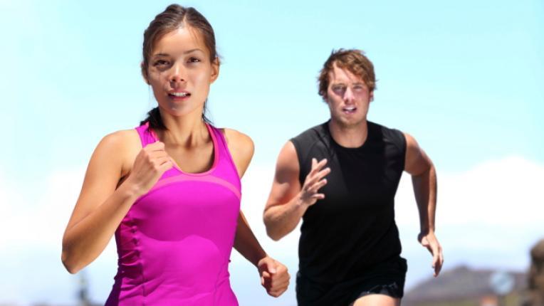 мъж жена тичане джогинг лека атлетика състезание