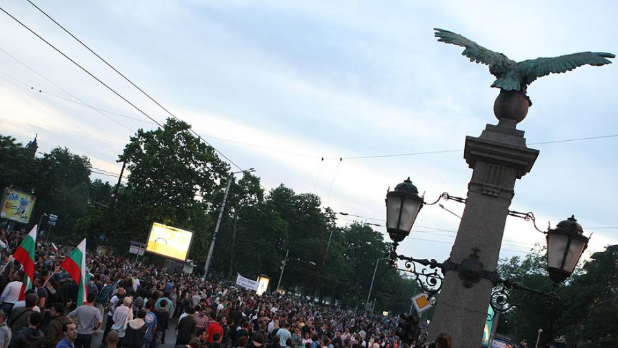 Протести срещу трамвай в Борисова градина и Пеевски в ЕП