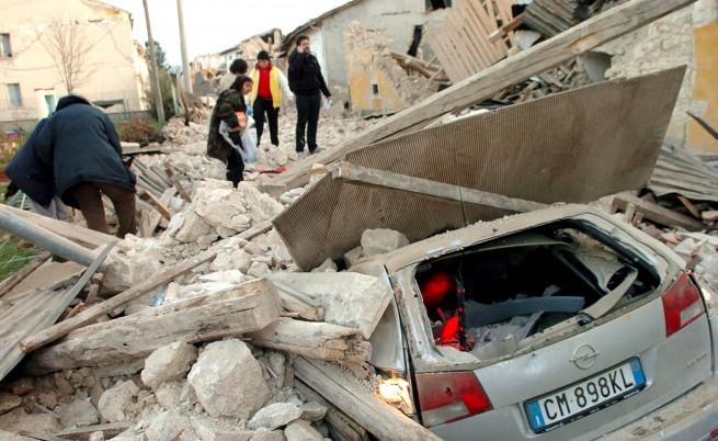 207 са вече жертвите в Италия, продължават силни вторични трусове