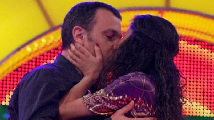 """Кошлуков имаше любовна сцена с Ивайла Бакалова, когато номинираните разиграваха епизоди от сериала """"Забранена любов""""."""
