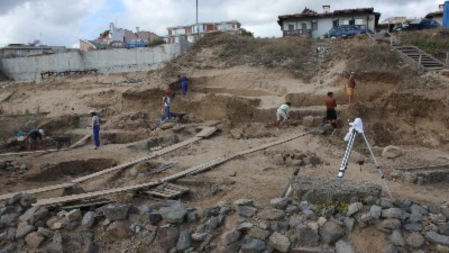 """Разкопките на плажа """"Харманите"""" край Созопол"""