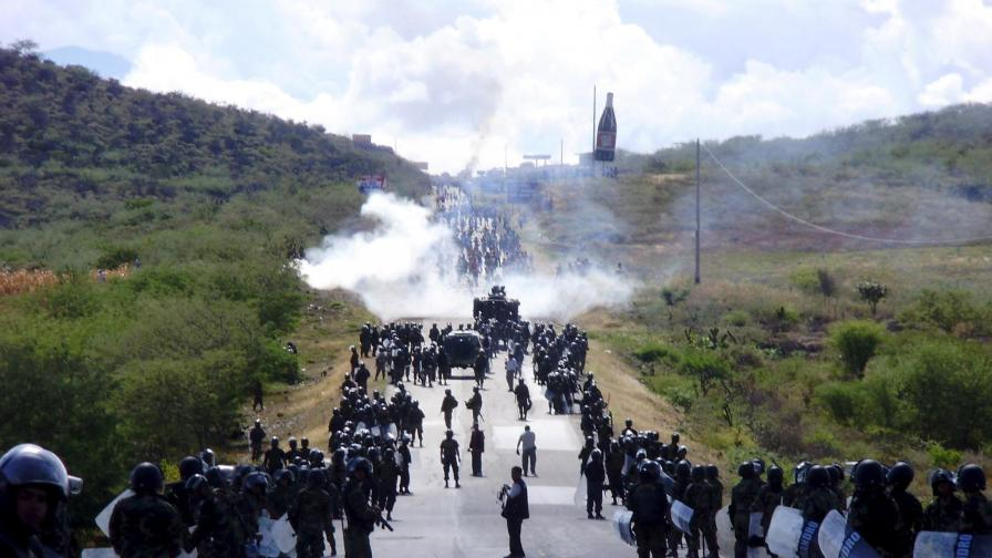 Истинска война между индианци и полиция в Перу
