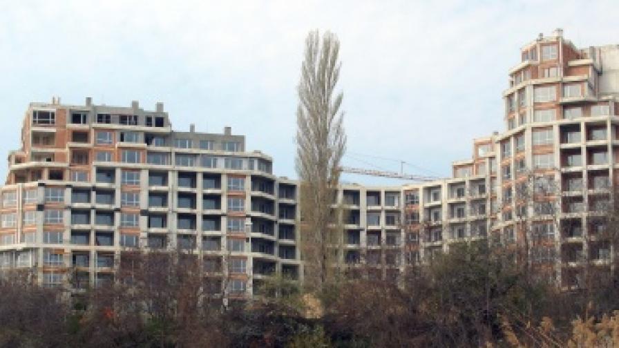Огромни хотели се строят върху свлачиша - например в местността Кабакум край Варна