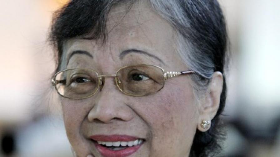 Почина Корасон Акино - демократичната икона на Филипините