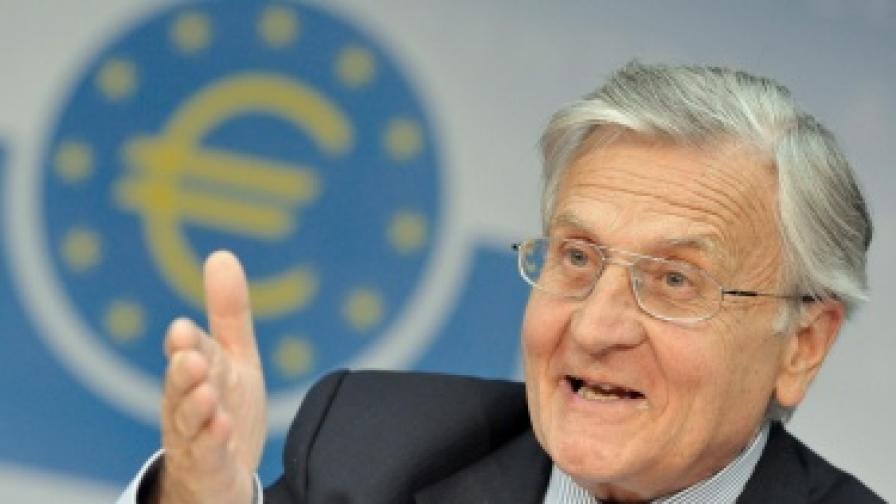 """Трише: """"Свободното падане"""" на икономиката спря"""