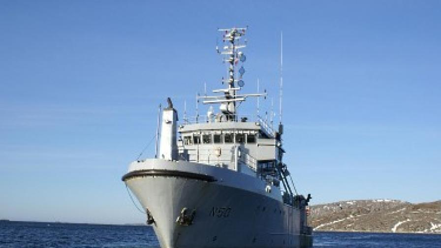 """Корабът на норвежките ВМС """"Тюр"""", който потегли на експедицията"""
