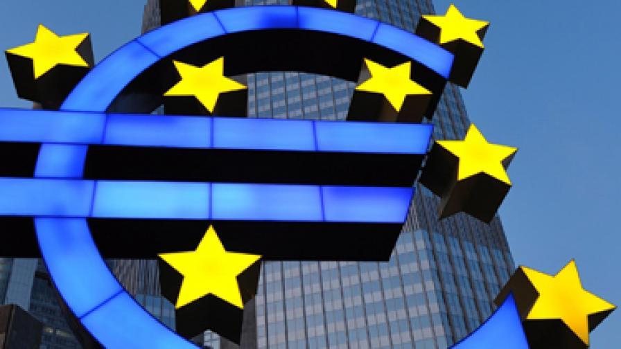 Силното евро заплаха за възстановяване на икономиката в Еврозоната