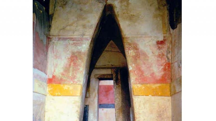Гробницата Крън II преди реставрацията