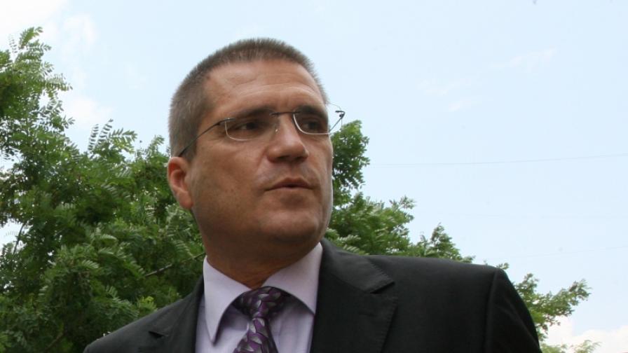 Прокурори обвиняват бившия военен министър Цонев