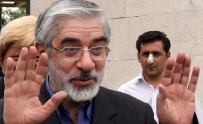 Ахмадинеджад започна разправа с опозицията