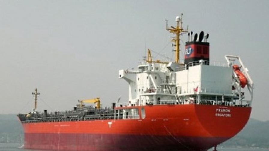 Отвлякоха нов кораб с българи