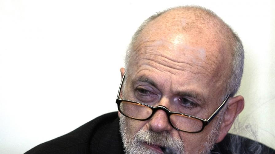 Юрген Рот при преставянето на книгата Новите български демони (снимка от ноември 200)