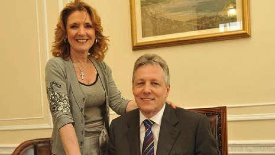 Мисис Робинсън от Северна Ирландия предизвика политически скандал