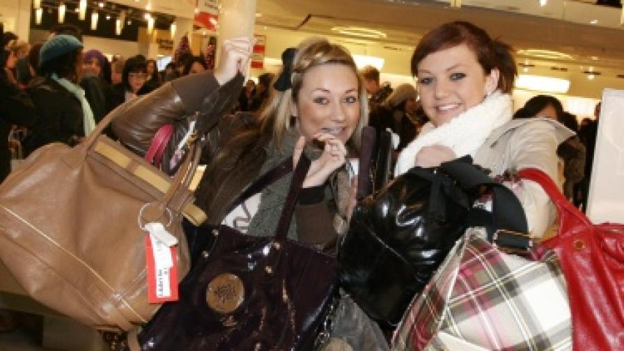Колко тежи дамската чанта