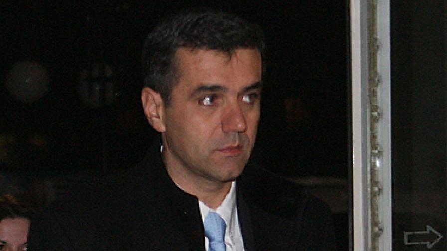 Илиян Михов: Няма да влизам в кабинета засега