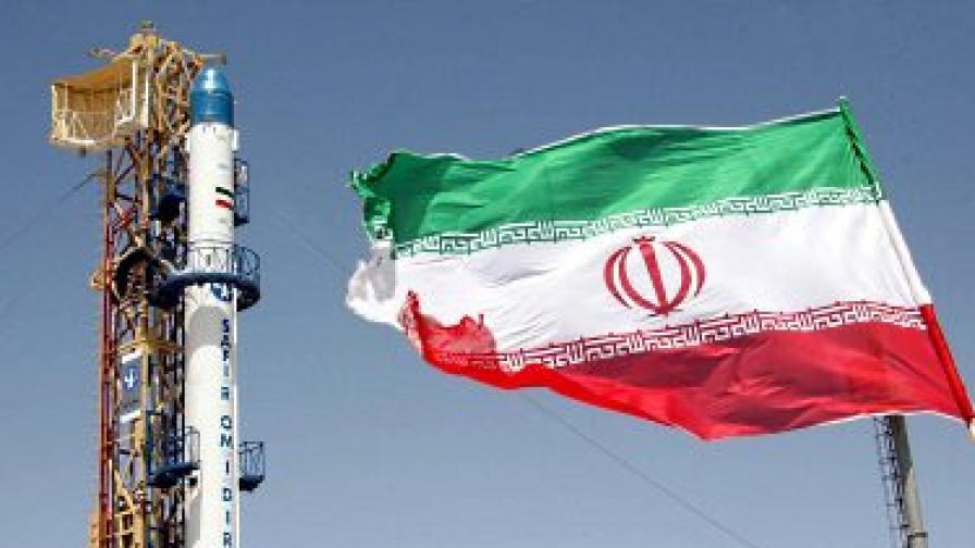 Иран: Самолети, ракети и уран
