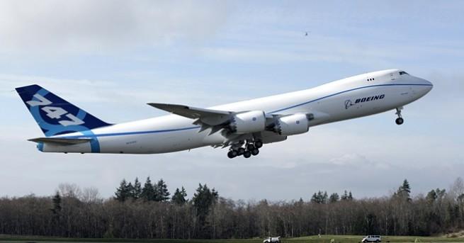 Технологии Boeing обмисля да спре производството на 747 Компанията има