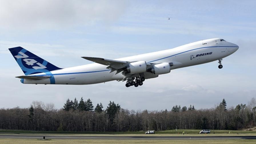 Boeing обмисля да спре производството на 747