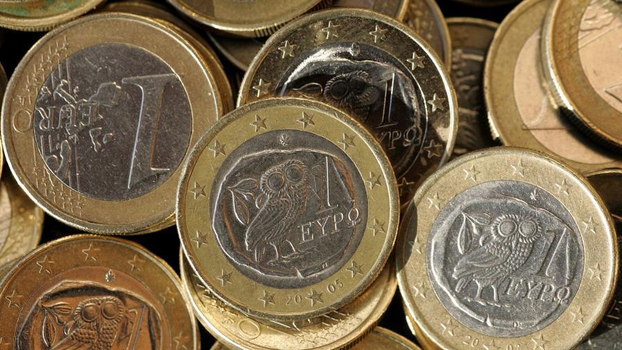 ЕИБ: Не можем да спасяваме Гърция