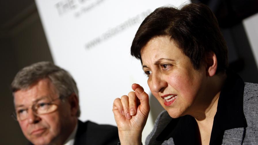 """Иранска нобелистка: Накажете """"Нокиа"""""""