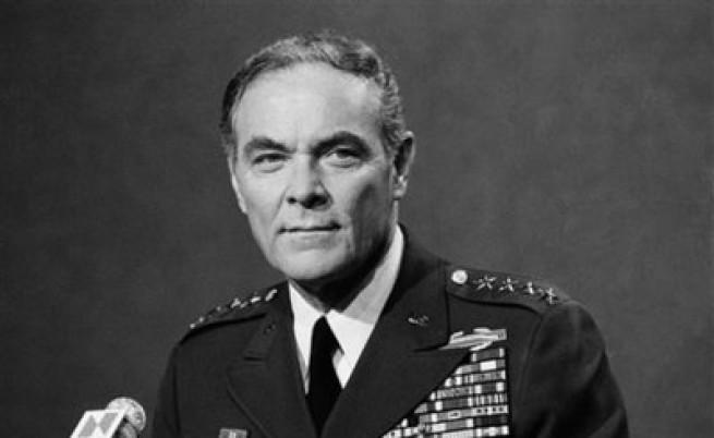 Почина генерал Александър Хейг