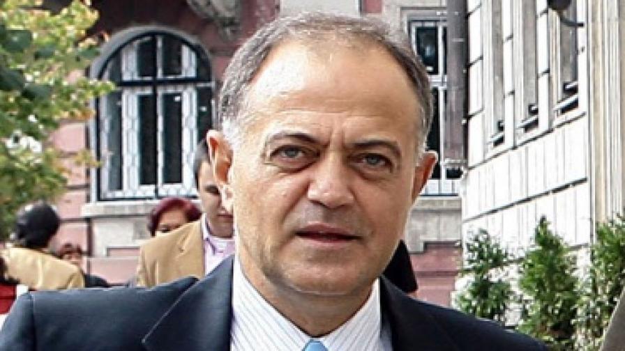 """Ат. Атанасов: """"Октопод"""" е свързан със смъртта на Ахмед Емин"""