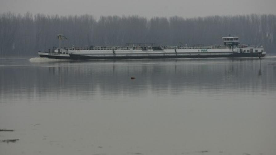 Евакуация в Бургаско, следят Дунав, опасно време днес