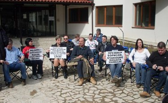 Британци разбиха врати, за да влязат в апартаментите си в Банско