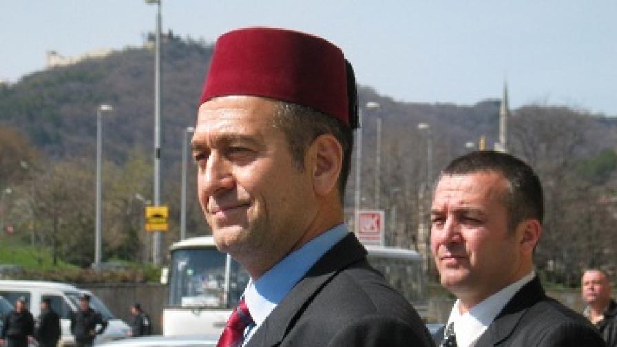 Юзеир (на преден план) и Али Юзеирови