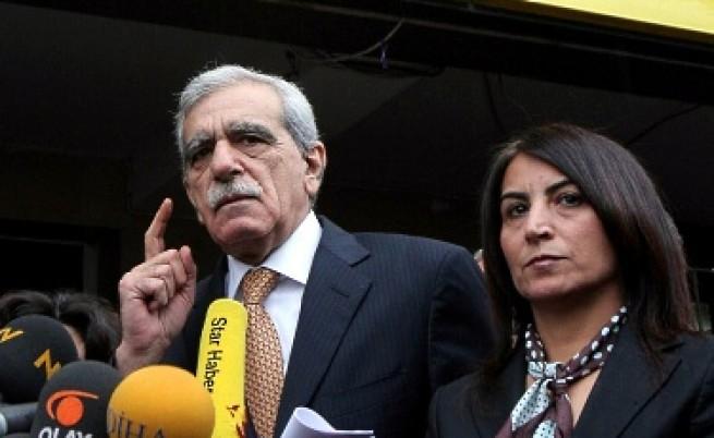 Сблъсъци в Турция заради счупения нос на прокюрдски лидер