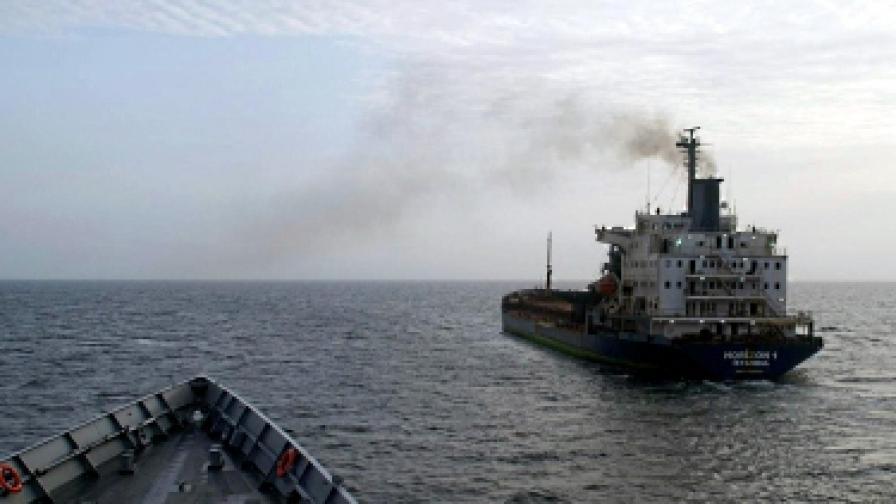 Пирати атакуваха военен вместо търговски кораб