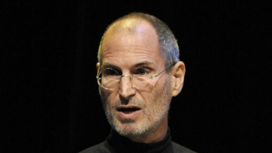 Apple срещу Adobe, Adobe срещу Apple