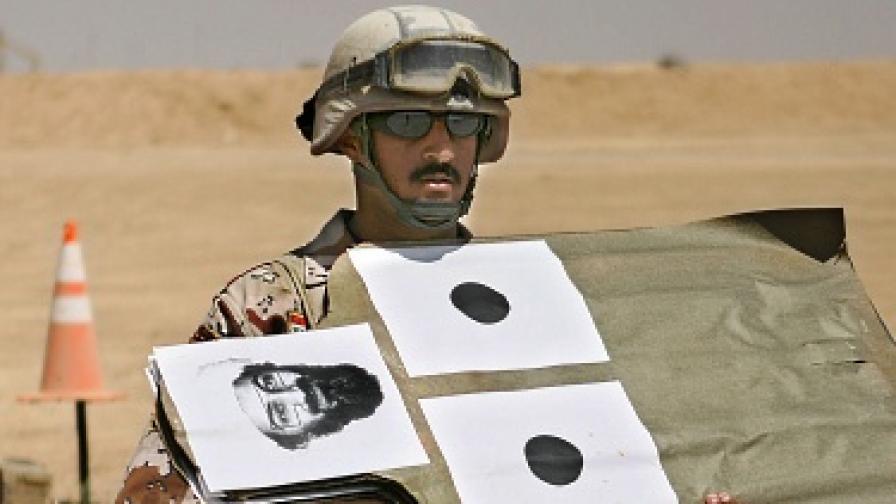 Новият хит - кецове с лика на Осама