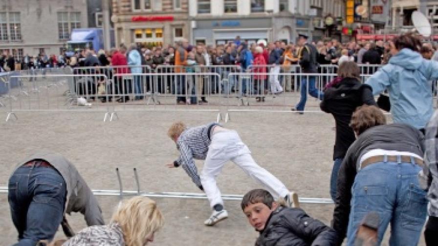 30 ранени при масова паника в Амстердам