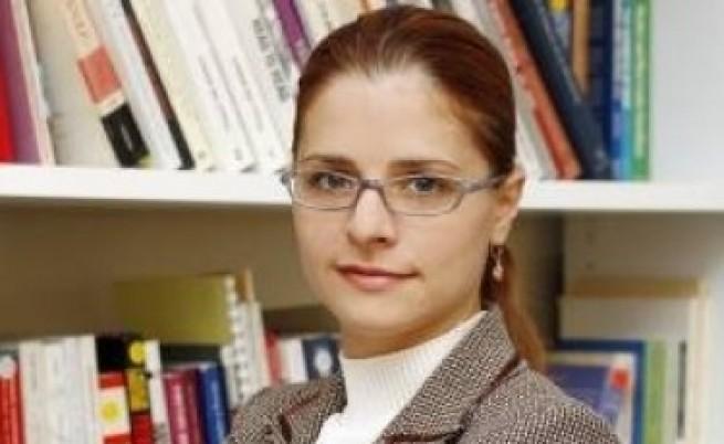 Светла Костадинова към образователния министър: Само така!