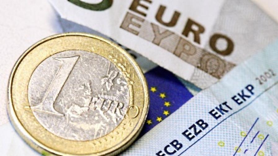 Ние сме с прекомерен дефицит, Естония - готова за еврото