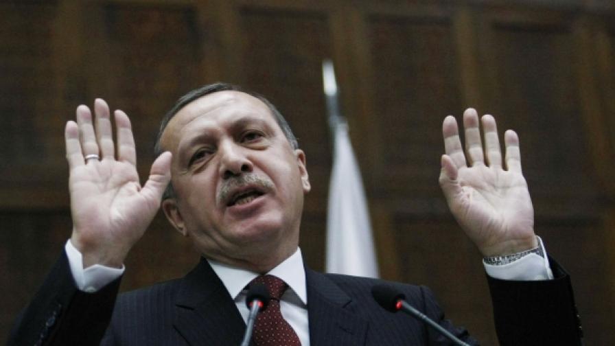 Турският премиер Реджеп Тайип Ердоган е на историческо посещение в Атина